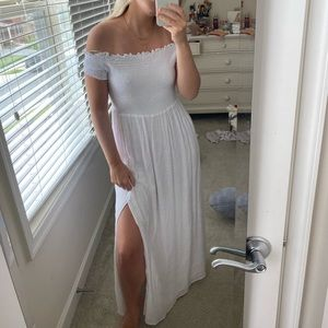 NWT Guess Off the Shoulder White Dress